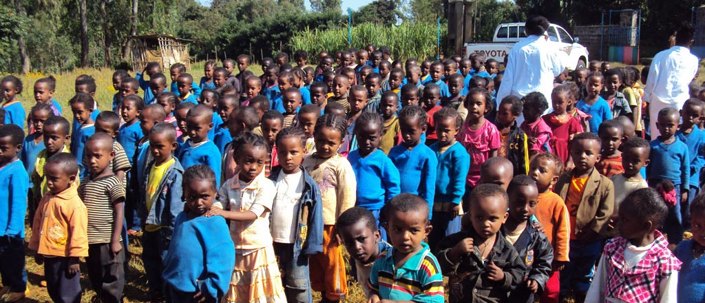 i bambini di getema all'appello in etiopia